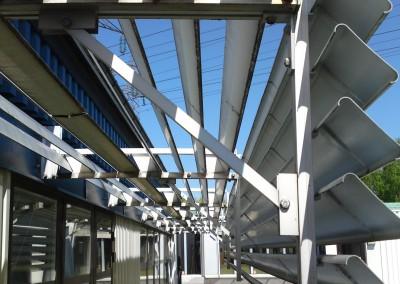 Fast solskärm av aluminium - Vertikal och horisontell i samma skärm!