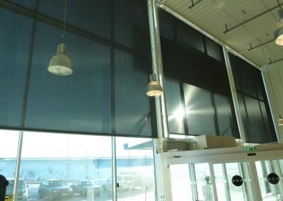 Spolrullgardiner passar bra för stora fönster