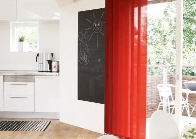 Sandatex röda lameller - Varför inte bryta av med lite färg.