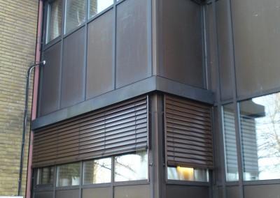 Air Liquide Malmö - Warema E80 A6 Fasadpersienner. Lackerade för att smälta in i fasaden.