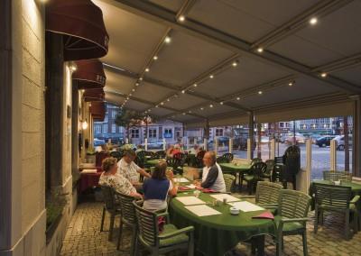Harol TR850 – Restaurangmarkis med belysningsskenor