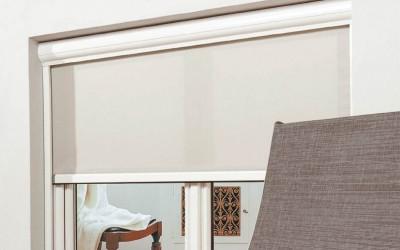 Riviera Zip med vit kassett och vita sidoskenor.